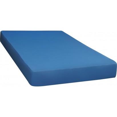 Funkcionālā aprūpes gulta ar matraci un ūdensnecaurlaidīgu pārvalku